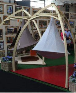 Cacoon Trefotsställning  trä